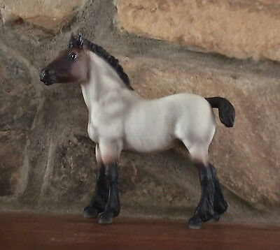 Breyer   2009   Fun Foals    Unusual    Roan Clydesdale      Beautiful   Mint