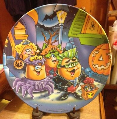 McDonald's 1997 Collectible Halloween Plate NOS McNugget Buddies