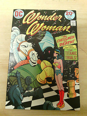 WONDER WOMAN No 208 1973 20 CENTS COVER PRICE VF-
