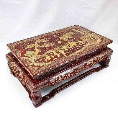 G130: Chinese old lacquered decorative stand of wonderful inlaid mother-of-pearl