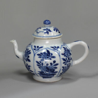 Antique Chinese blue and white miniature teapot and cover, Kangxi (1662-1722)