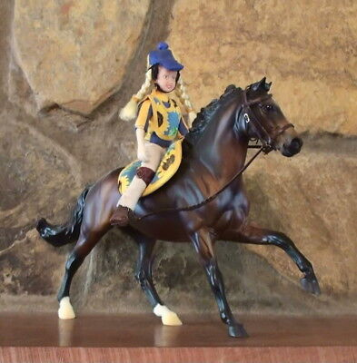 Breyer   2010  Sr Jcp   Pony Club Two Piece Set   Extremely Rare