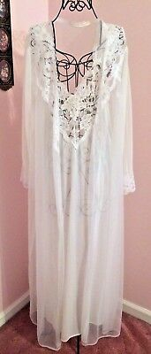 Vintage Lingerie / Nightgown & Robe White with Lace Accent Size M Wedding Bridal