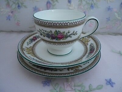 """Lovely Vintage Wedgwood """"Columbia"""" Trio, Leigh shaped cup, very good condition a"""