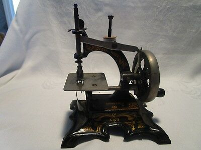Antique /vintage Germany Cast Iron Childs Sewing Machine (99495)        #1