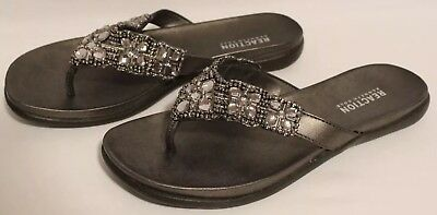 57cfe1e1f439 PREOWNED KENNETH COLE Reaction Women s Glam-Athon Flat Sandal