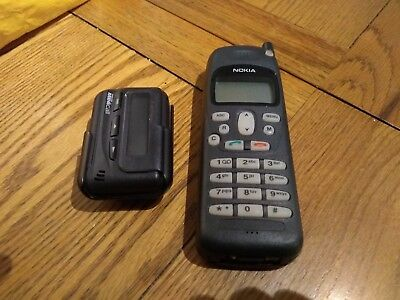 Vintage Nokia phone and Motorola pager