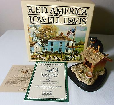 R.F.D. Lowell Davis Limited Edition DOG Figurine LONG DAYS COLD NIGHTS w/Box COA
