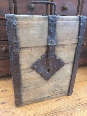 Superb Iron Bound Wooden Casket 1650 Coffret Coffer Box 17Eme 17Jh 17Th