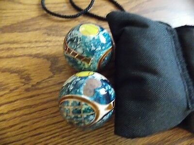 TenniSpheres balls and pouch