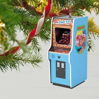 2018 Hallmark DONKEY KONG-LIGHTS AND SOUNDS! RETRO ORNAMENT-NEW IN BOX-FREE SHIP