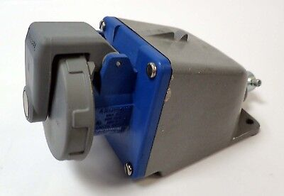 HUBBELL 420R9W 20A 250Vac 3 POLE 3 PHASE  FEMALE RECEPTACLE  4 WIRE w/ BACKBOX