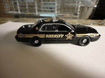 GREENLIGHT CUSTOM FORD Crown Victoria Butler County Ohio Sheriff car 1/64