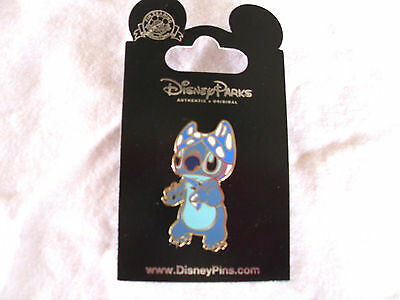 Disney * STITCH w/ BIKINI TOP on HEAD - SUPERHERO * New on Card Trading Pin