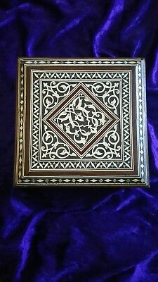 Antique Oriental Inlaid Mother of Pearl/Ivory Trinket Box 16.5 cms x 16.5 x 6.5p