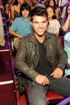 Taylor Lautner 8x10 Photo Picture Very Nice Fast Free Shipping