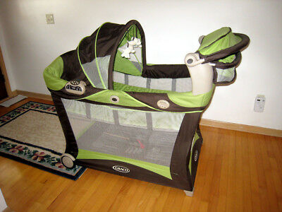 Graco Pack n Play Playard Bassinet Changer music & nature sounds vibrations