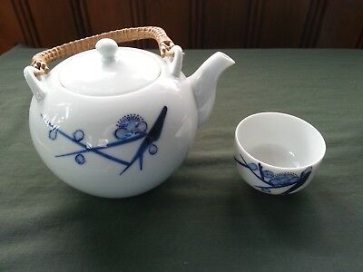 Japanese Cherry Blossom Blue White Porcelain China Tea Pot & Cups