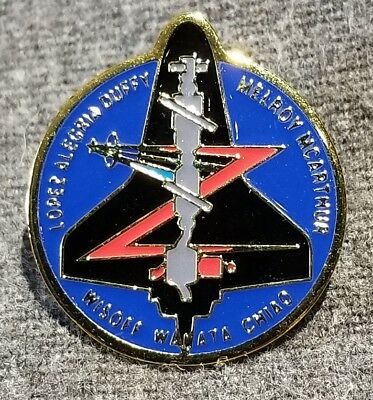 LMH Pin Pinback NASA SPACE SHUTTLE Discovery 2000 STS-92 Lopez Alegria Duffy