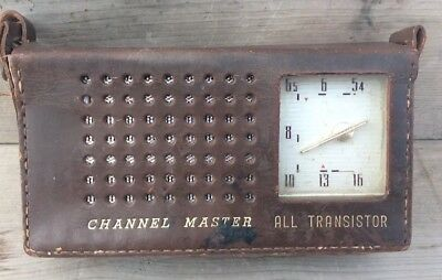 Vintage Channel Master Transistor Radio.  Works!