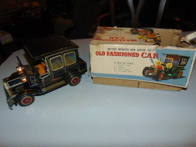 Vintage Antique Old Fashioned Car Tin Car with Light