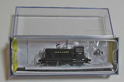 N Scale BACHMANN GE 70t LOCOMOTIVE SOU rr with DCC AS NEW knuckle couplers