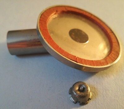 Fond de stock magasin phonographe gramophone cylindre reproduction membrane