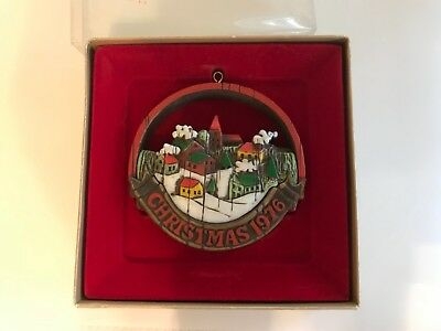 Hallmark 1976 Tree Trimmer Collection Christmas Ornament Town Scene
