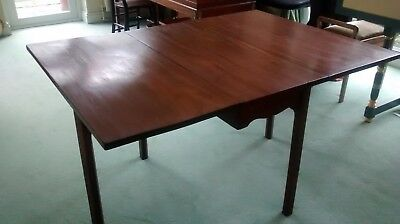 Antique Georgian mahogany gate-legged table