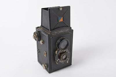 Voigtlander Brilliant 120 TLR camera. I believe this is an early version