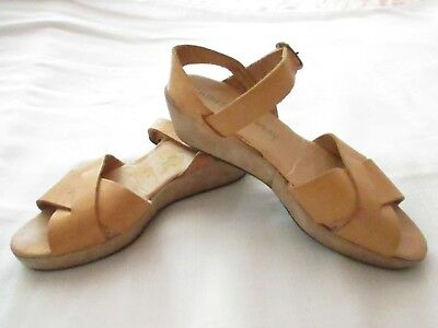 Women's Chinese Laundry Low Wedge Tan Leather Sandals Sz 6