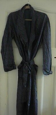 Vintage Dressing Gown Size M/L Tailored by Luvisca Paisley