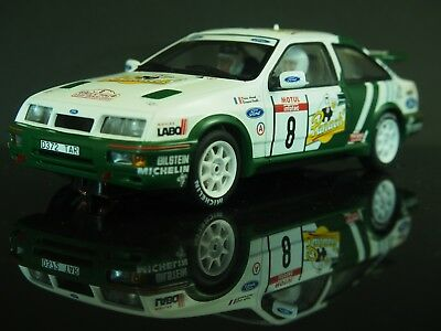 Ford Sierra Cosworth RS 500 - mit Licht - Auto Art 1:32 Slotcar / Carrera