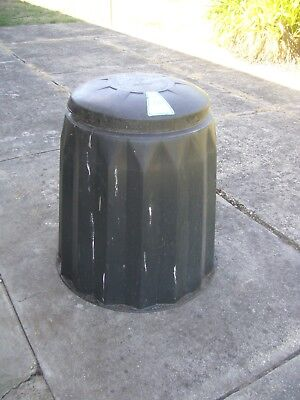 LARGE COMPOST BIN, Very Good Condition.