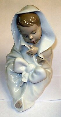 Lladro Nao Baby Boy with Blanket ALL BUNDLED UP Figurine #1340 MINT