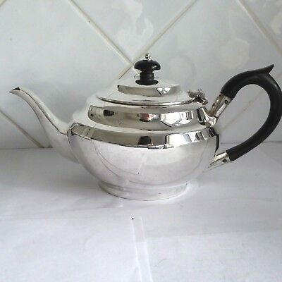 Vintage Silver Plate  Traditional Style  Tea Pot Teapot 4 - 6 Cups ?  - Gleaming