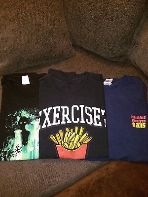 5) Pop culture t shirt lot size XL. Humor, aliens, movie.
