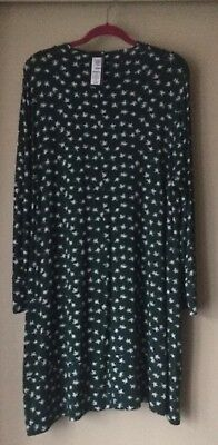 Ladies Bnwt Marks And Spencer Green And White Dress Size 22