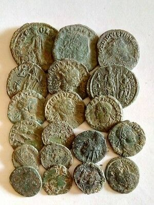 095.Lot of 18 Ancient Roman Bronze Coins,Uncleaned