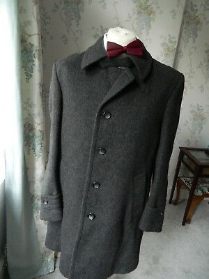 Vintage Varteks mans Charcoal Grey Wool mix Business over winter Coat  med Large