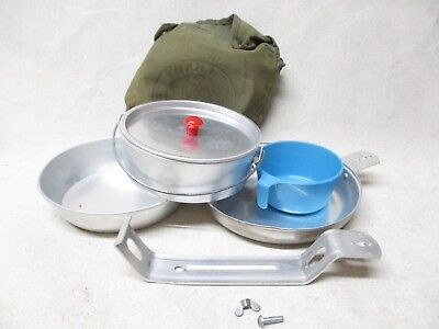 VINTAGE 1966 ALUMINUM MESS KIT GREEN CANVAS CASE BOY SCOUTS ARMY Complete