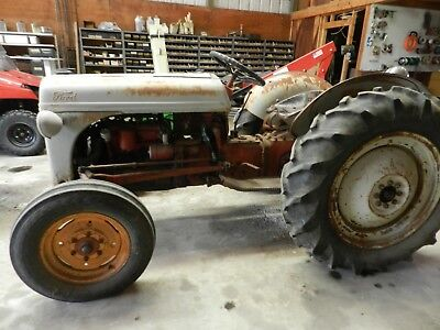 1947 8N FORD TRACTOR, flathead 4 cylinder engine, 30 hp, 540 pto, 3 point hitch