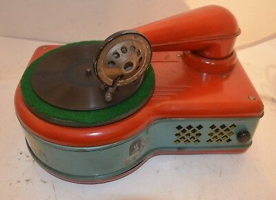 CIRCA 1940's CHILDS 78 RPM PHONOGRAPH by LINDSTROM TOOL & TOY