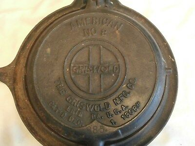 """Vintage Griswold Cast Iron 8"""" Waffle Iron With Base"""