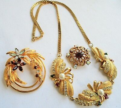Very good quality vintage gold metal, diamond paste & pearl necklace + brooches