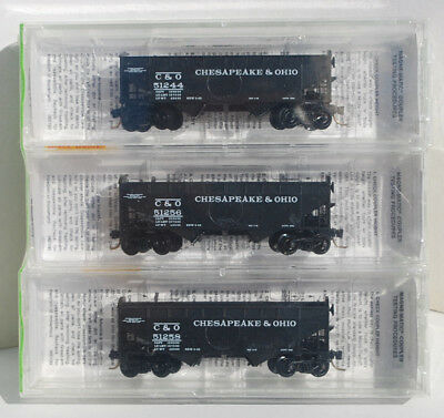 MTL N Scale 3 Pack 33' Twin Bay Hoppers, Notched Arch Ends, C&O. New. # 86012.