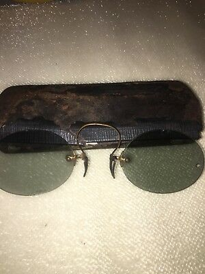 VERY RARE PAIR OF  VTG ANTIQUE Brass PRINCE NEZ SUNGLASSES W CASE GRAY/green
