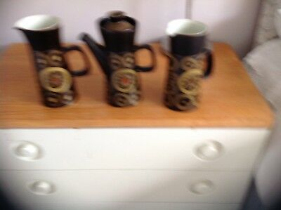 Denby Arabesque 2 Large Jugs And Coffee Pot Unused