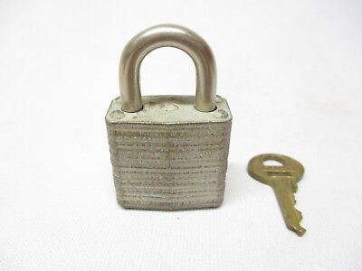 Vintage Master Lock Small Padlock Key P624 Made In The Usa