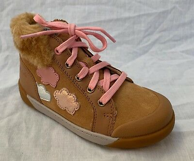 BNIB Clarks Girls Lil Folk Boo Tan Suede Air Spring Hi Top Shoes